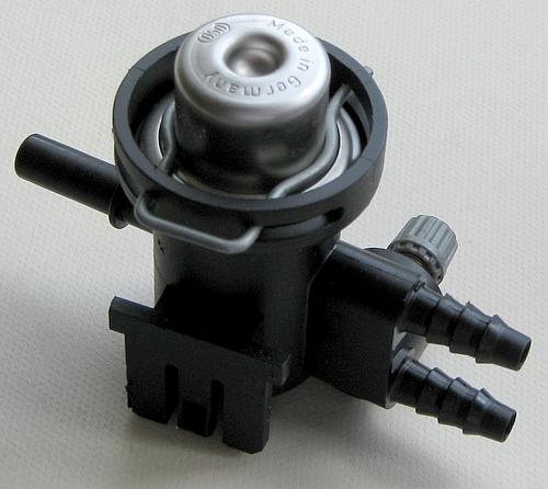 Map Sensor W203: Regulator Ciśnienia Paliwa 0280161511 BOSCH 0 280 161 511